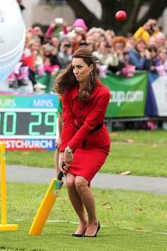 This face makes me love her even more - Princess Kate playing cricket while on the Royal tour of Australia and New Zealand