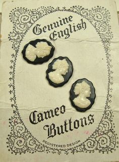 ButtonShop.ca - Original card of 3 cameo buttons- Vintage printed card containing 3 cameo buttons.