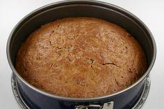 Squashen rives groft. <BR> <BR> Æg og vanillesukker piskes. Øvrige ingredienser blandes i efterfølgende. <BR> <BR> Bages i en springform ca. 24 cm. i diameter ca. 175 grader C. alm. ovn i 45-60 mi Diabetic Desserts, Cornbread, Squash, Low Carb, Sweets, Healthy, Ethnic Recipes, Food, Type