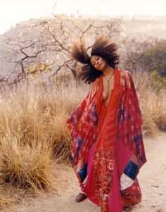 """My Bohemian Style Oh, to be tall and willowy and able to rock a caftan…. fuckyeahcurlscurlscurls: """" fuckyeahblackbeauties: """" (via feedmeastraycal, cosmic-dust) """" """""""
