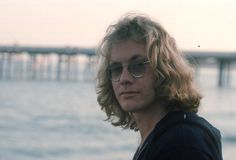 One Hit Wonders That Will Trigger Some Major Nostalgia 70s Hits, Warren Zevon, Dream Boyfriend, One Hit Wonder, Laurel Canyon, Beautiful Goddess, Almost Famous, Country Singers, The Real World