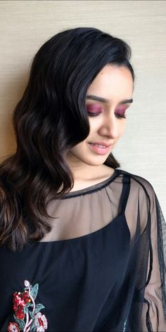 The most Beautiful girl Shraddha Kapoor Indian Bollywood Actress, Bollywood Girls, Indian Actresses, Prettiest Actresses, Beautiful Actresses, Indian Celebrities, Beautiful Celebrities, Half Girlfriend, Shraddha Kapoor Cute