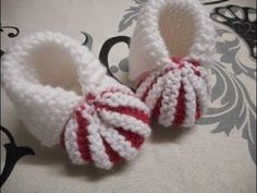 Tuto chaussons de bébé 0/3mois au tricot - YouTube Hobbies And Crafts, Diy And Crafts, Baby Booties, Baby Shoes, Baby Knitting, Sock Shoes, Needlework, Knit Crochet, Booty