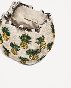 4 Trendy Zara Bags For This Summer - FashionActivation Potli Bags, Embroidery Bags, Zara Bags, Boho Bags, Handmade Jewelry Designs, Beaded Bags, Fabric Bags, Vintage Bags, Handmade Bags