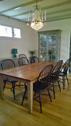 Lankkupöytä, useita eri kokoja: http://www.juvi.fi/poyta.html Solid wood table