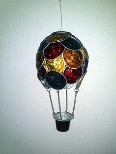 Cialde nespresso Ballon, Air Balloon, Coffee Pods, Coffee Beans, Recycled Art, Upcycle, Christmas Crafts, Craft Projects, Diy Crafts