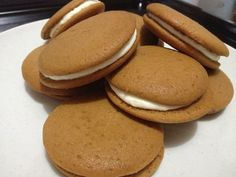Coffee whoopie pie with cream cheese