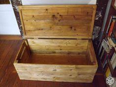 Coffre malle en bois de palettes recyclées