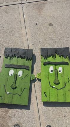 Frankenstein handmade rustic country primitive fall halloween fence upcycle reclaim pallet.