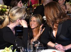 Pin for Later: 27 SAG Awards Pictures You'll Want to See STAT  Jennifer Aniston chatted with Meryl Streep and Julia Roberts.