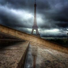 Photo taken by timbrado via Instagram.   #eiffeltower #latoureiffel #paris #france http://instagram.com/p/pDpOZzLJ10/