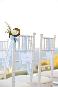 Simple and pretty beach wedding aisle decoration.