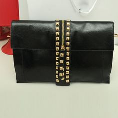Women Rivets Envelope Clutch Bag Shoulder Bag  http://www.banggood.com/Fashion-Vintage-Punk-Women-Rivets-Envelope-Clutch-Bag-Cross-Body-Bag-p-909437.html