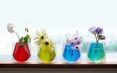 花器の革新。「D-BROS」のビニール花瓶で、お花に満ちた生活を