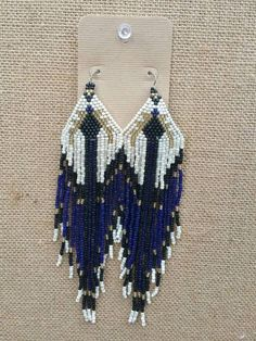 Elegance // Native American Made // Seed Bead Earrings Beaded Earrings Patterns, Beading Patterns, Seed Bead Jewelry, Seed Bead Earrings, Beaded Jewelry, Fringe Earrings, Seed Bead Projects, Gifs, Stud Earrings