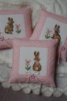 Spring decoration my work výšivka, polštáře и velikonoce Cross Stitching, Cross Stitch Embroidery, Cross Stitch Patterns, Sewing Crafts, Sewing Projects, Animal Knitting Patterns, Cross Stitch Pillow, Donia, Easter Cross