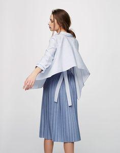 Falda plisada midi - Faldas - Ropa - Mujer - PULL&BEAR Colombia