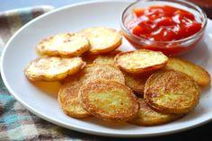 Necesitamos   800 gramos de patatas (cortada en trozos)  500 gramos de agua caliente  60 gramos de pecorino o parmesano  Perejil fresco ...