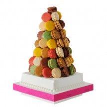 Pyramide de macarons - Fauchon, 160 euros