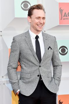 Tom Hiddleston attends the 51st Academy of Country Music Awards at MGM Grand Garden Arena on April 3, 2016 in Las Vegas, Nevada. / Hiddleston-Daily