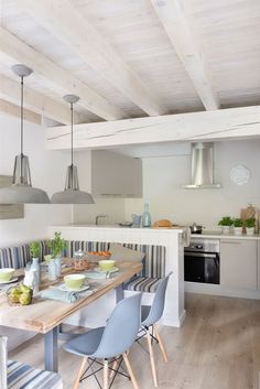Design Trends Were Loving for 2020 — Home Decor Ideas Kitchen Room Design, Kitchen Sets, Dining Room Design, Home Decor Kitchen, Home Kitchens, Small House Interior Design, Condo Interior, Interior Design Kitchen, Dining Nook