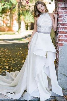 Off White Sleeveless Embellished High Neck Bodice Bridal Gown 46370