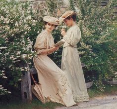 Victorian garden party dresses from an old issue of Victoria magazine.