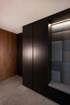 haus s - Möbelbau Breitenthaler, Tischlerei | @ elena egger Wardrobe Design, Wardrobes, Modern, Kitchen Design, Divider, Room, Furniture, Home Decor, Carpentry