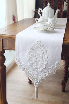 Beautiful Design- VTG Antique Handmade Table Runner,Embroidery&Lace Good for craft projects and home decoration Various patterns is composed of a sheet. Size of each fabric : Fabric : Jacquard Limited Stock! Sunny Park Fabric and Interior Wedding Table Deco, Wedding Tables, Casas Shabby Chic, Handmade Table, Handmade Items, Etsy Handmade, Handmade Wedding, Linens And Lace, Lace Table Runners