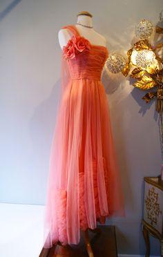 Xtabay Vintage Clothing Boutique - Portland, Oregon: February 2013