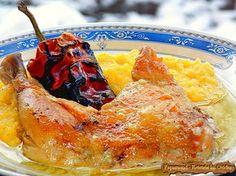Pulpe de pui cu usturoi si mamaliguta. Aromate cu ciusca coapta Romanian Food, Romanian Recipes, Polenta, Yummy Food, Delicious Recipes, Poultry, French Toast, Garlic, Meat