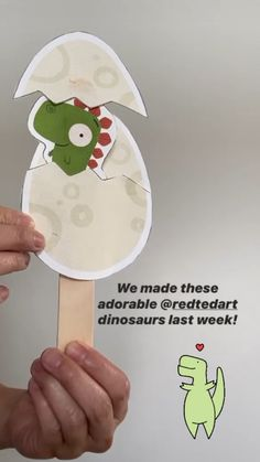 Red Ted Art's hatching dinosaur eggs! A lovely book and craft activity with free Printables! Red Ted Art's hatching dinosaur eggs! A lovely book and craft activity with free Printables! Dinosaur Activities, Craft Activities For Kids, Preschool Crafts, Dinosaur Art Projects, Dinosaur Crafts Kids, Dino Craft, Craft Kids, Egg Crafts, Paper Crafts For Kids