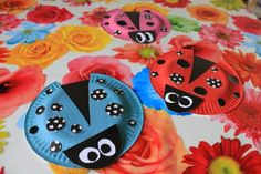 lieveheersbeestje knutselen met kleuters Paper Plate Crafts, Paper Plates, Easy Crafts, Arts And Crafts, Disposable Plates, Preschool Crafts, Ladybug, Projects To Try, Crafty