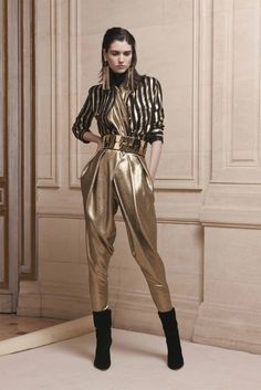 See all the Collection photos from Balmain Autumn/Winter 2013 Pre-Fall now on British Vogue Vogue Fashion, Fashion Week, 90s Fashion, Runway Fashion, Spring Fashion, Girl Fashion, Fashion Show, Fashion Outfits, Womens Fashion