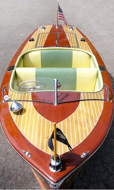 - 1953 Century Resorter ---Thinking Of Going Blond This Summer?  Classic Boat News / Woody Boater -
