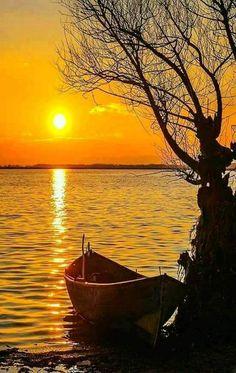 Untitled — Splendid sunset at lake by. Amazing Sunsets, Amazing Nature, Sunset Pictures, Nature Pictures, Sunset Pics, Blue Pictures, Weird Pictures, Beautiful Nature Wallpaper, Beautiful Landscapes