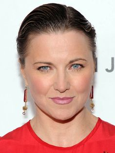 Oscars 2013 after-party beauty: Lucy Lawless http://beautyeditor.ca/gallery/oscars-2013-the-best-beauty-looks-from-all-the-after-parties/lucy-lawless/