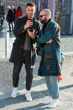 streetstyle @ Pitti Uomo ... mostly into the dood on the left TBH (and I ain't talkin' style)
