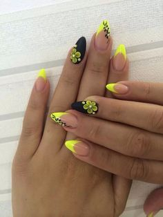 45 Yellow Nail Art Designs - nenuno creative Matte Black and Yellow Themed Nails. Matte nail colors are so in fashion. So just cover your nails with the simple matte colors or go with the nail arts adding elements just like the one in the picture above. Matte Nail Colors, Matte Nails, Acrylic Nails, Stiletto Nails, Coffin Nails, Nail Art Jaune, Acrylic Nail Designs, Nail Art Designs, Gel Designs
