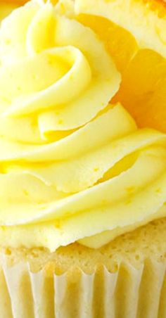 Orange Cream Cupcakes will take you back to your childhood! Made with orange cupcakes, frosting & vanilla cream filling! Such a delicious cupcake recipe! Best Dessert Recipes, Sweet Desserts, Cupcake Recipes, Cupcake Ideas, Amazing Recipes, Yummy Cupcakes, Cupcake Cookies, Sweet Cupcakes, Cupcake Party