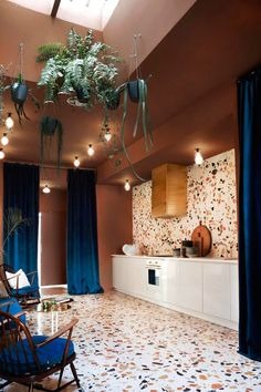 Terrazzo is back and better than ever before. From a chic statement bathroom to a boho eclectic office, here are five terrazzo-filled rooms we love. Deco Design, Küchen Design, Design Trends, Design Ideas, Interior Architecture, Interior And Exterior, Colour Architecture, Kitchen Interior, Interior Inspiration