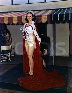 Muss America 1947, Barbara Jo Walker, (Tennessee).  She was the last Miss America to be crowned in a swimsuit.