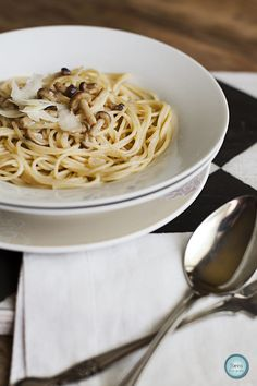 Tarjeta d embarque: Espaguetis integrales con setas de chopo {Simply food}