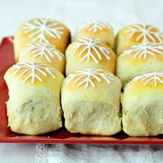 Christmas Morning Sweet Buns. These Bread Buns are filled with your choice of Preserves. So yum!
