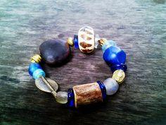 Les bijoux d'Ezile Bay, Ezile Bay jewels   Entre Busua Inn et Ezile Bay Village, #Ghana #Beads #Africa #ecofriendly