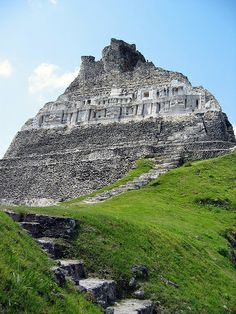 XUNANTUNICH - (Maya for maiden of the rock )sits just inside the western border… Mayan Ruins, Ancient Ruins, Ancient History, Ancient Buildings, Ancient Architecture, Places To Travel, Places To See, Places Around The World, Around The Worlds