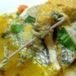 Sopa de Cabeça de Garoupa Chicken, Meat, Food, Traditional Kitchen, Rice Flour, Carrots, Main Course Dishes, Recipes, Tomatoes