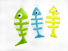 Hey, I found this really awesome Etsy listing at https://www.etsy.com/listing/231585660/fish-sun-catcher-ornament-fused-glass