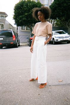 Soft hues, bright white and detail in neon color - perfect summer outfit recipe