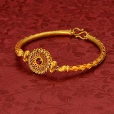 New stylish bracelet designs - Indian Fashion Ideas Gold Ring Designs, Gold Bangles Design, Gold Earrings Designs, Bracelet Designs, Unique Earrings, Gold Jewelry Simple, Gold Rings Jewelry, Gold Jewellery, Jewelery
